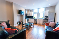 Medium luxury student two bed flat  1